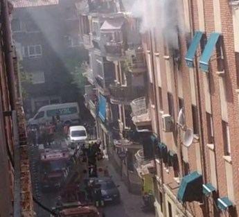 Incendio en un bloque de pisos de la calle Juana de Arco de Albacete, con varias personas afectadas