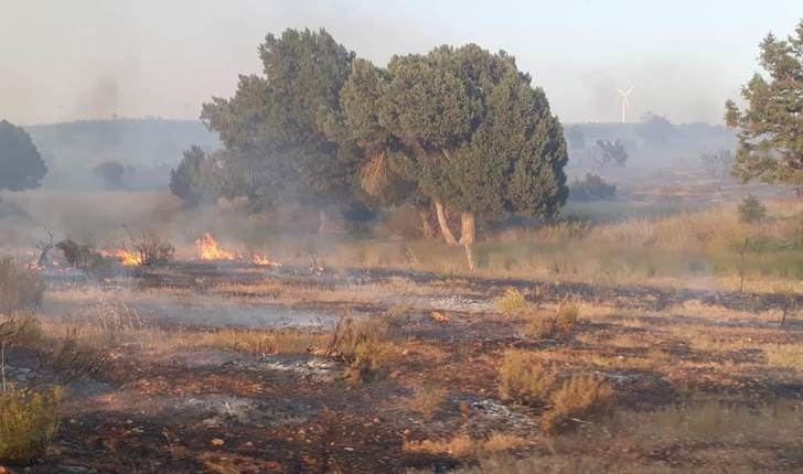Continúan los trabajos para controlar y extinguir el incendio de El Bonillo (Albacete)