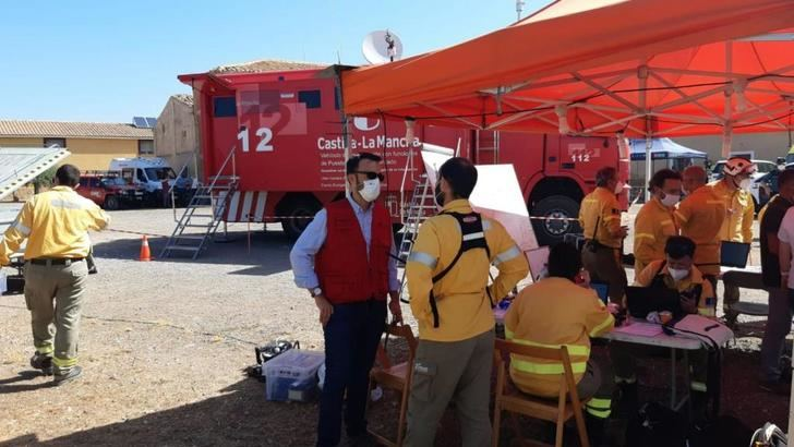 El fuego en Férez afecta a 300 ha de alto valor ecológico y Ayna se estabiliza