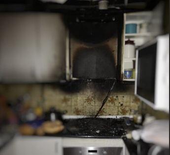 Calcinada casi por completo la cocina de una vivienda del barrio Industria de Albacete, tras un incendio