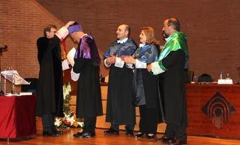 El científico hellinero Izpisúa ya es doctor honoris causa por la UCLM