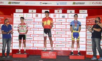 Javier Romo irrumpe exhibiéndose para ganar el Campeonato de España sub23 en línea de ciclismo