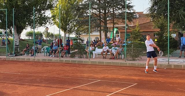 Este viernes se disputan en las pistas del Club de Tenis Albacete las semifinales del Torneo Marca