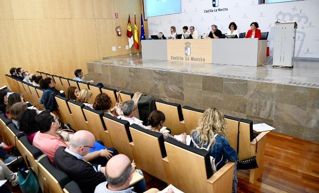 Los vocales de los tribunales de oposiciones a docentes participan en acciones formativas para mejorar su labor