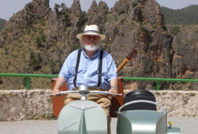 El director de cine albaceteño José Luis Cuerda muere en Madrid a los 72 años