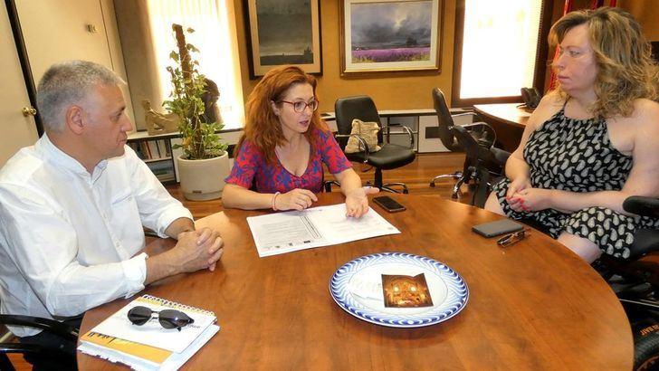 Reunión de la Diputada de Asuntos Sociales de Albacete con representantes de Amiab