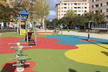 El Ayuntamiento de Albacete renovará con pavimento sintético las zonas de juegos infantiles