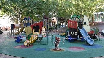 El Ayuntamiento de Albacete vuelve a abrir las zonas de juegos infantiles, cerradas por el coronavirus