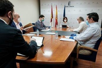 La Junta de Castilla-La Mancha apoyará la comercialización del calzado para impulsar su recuperación tras el coronavirus