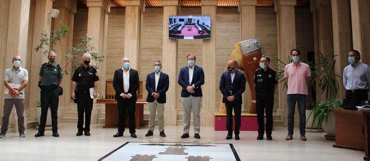 Junta de Seguridad en el Ayuntamiento de Albacete para estudiar las medidas sobre covid en la 'No Feria'