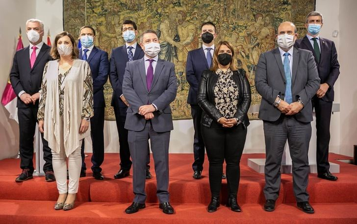 Junta y diputaciones de Castilla-La Mancha firman los convenios para los próximos planes de empleo