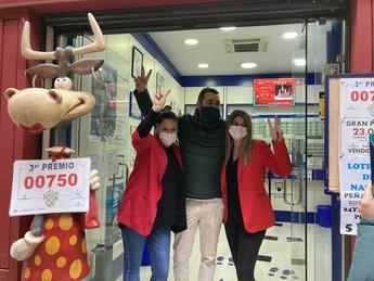 El tercer premio deja 27,5 millones en Cuenca y Toledo con 550 décimos vendidos