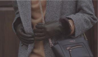 La moda que llegó para quedarse: los guantes de ceremonia