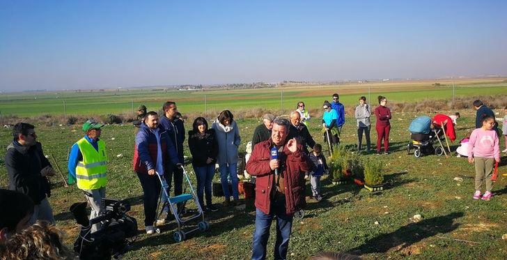Primera Fiesta del Árbol de La Roda, organizada por el Festival de los Sentidos y la asociación 'Júcar Limpio'