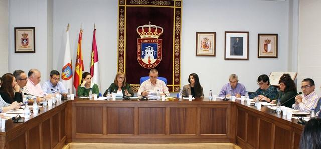 El Ayuntamiento de La Roda aprueba no modificar las tasas municipales para el 2019