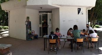 Las Bibliotecas Públicas Municipales de Albacete sacan sus libros a la calle durante los meses de verano