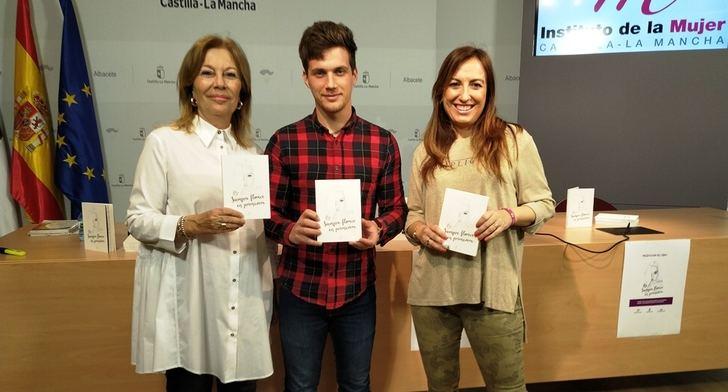 La Diputación de Albacete envía 525 copias del libro 'Siempre florece en primavera' a los Centros de la Mujer de la provincia