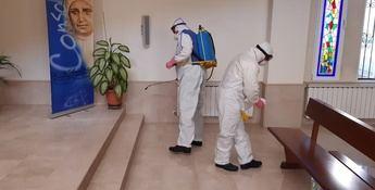 Trabajadores del Geacam limpian y desinfectan la residencia 'El Cotolengo' de Albacete