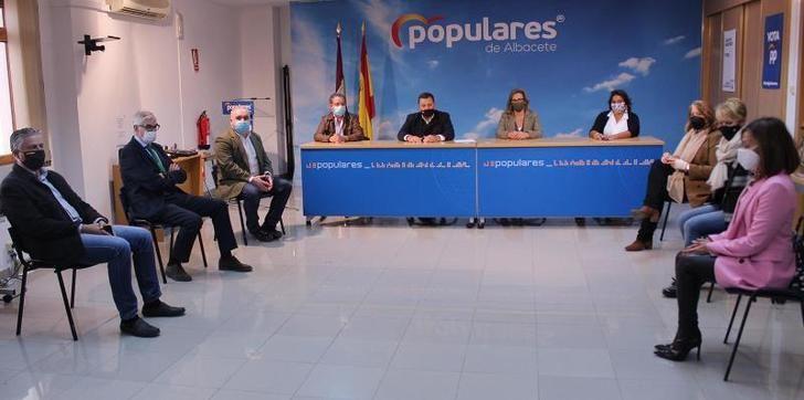 """El PP critica el """"cinismo"""" de Page por no defender la independencia judicial y muestra el apoyo a la hostelería"""