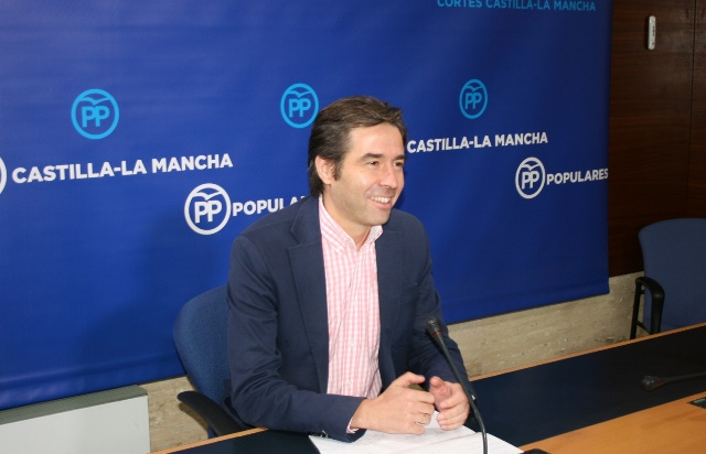 Robisco (PP): 'Ha llegado aire fresco y los carcamales del PSOE empiezan a decir adiós'