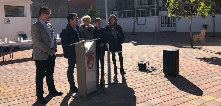 La plaza 'Elena de la Cruz' de Madrigueras (Albacete) luce su nueve imagen tras la remodelación
