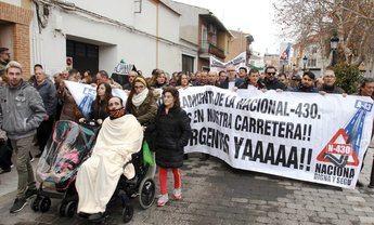 Vecinos de diversas localidades de Ciudad Real salieron a la calle una vez más para hacer ver que la carretera que tienen mata a sus familias.
