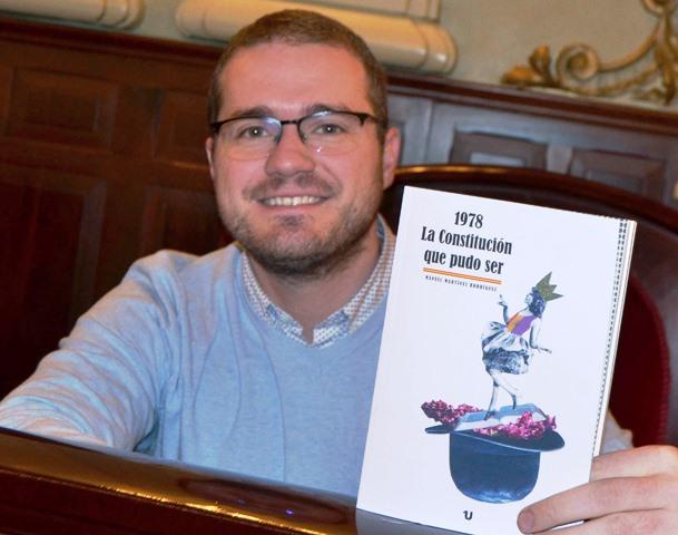El albaceteño Manuel Martínez estrena nuevo libro, 'La Constitución que pudo ser'