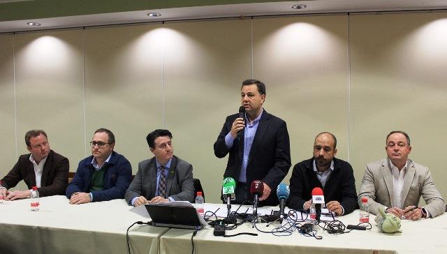 Apoyo de instituciones y políticos a los empresarios de Albacete en el IV aniversario del BNI