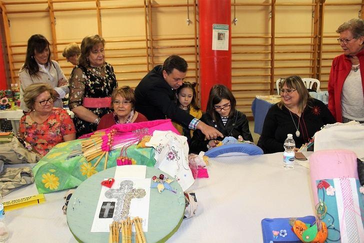 El XIX Encuentro de Encajeras en Albacete sirve para mantener y promocionar tradiciones