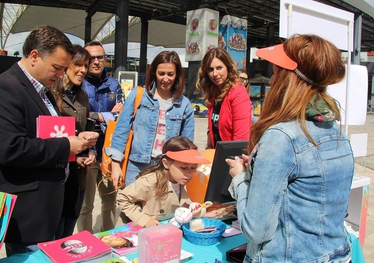 Inaugurada la II Feria de la Crianza y las III Jornadas Supermami Day, en Imaginalia Albacete