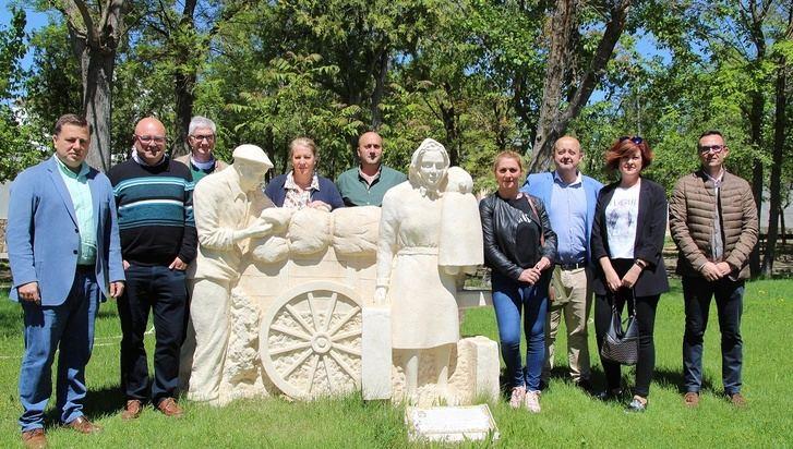 Visita del alcalde y su candidatura del PP de Albacete a la pedanía de Aguas Nuevas