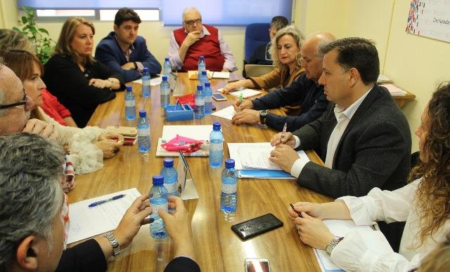 Manuel Serrano (PP), candidato a seguir como alcalde de Albacete, reitera su compromiso con los barrios