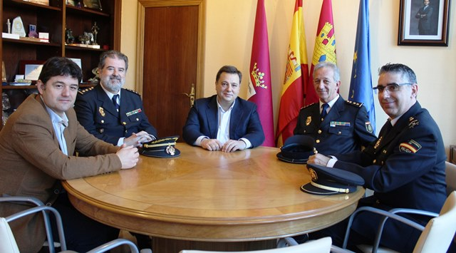 El Ayuntamiento de Albacete agradece la gestión de Roldán, el comisario de Policía que ahora se jubila