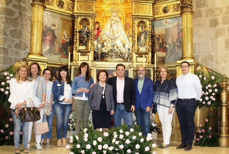 El alcalde de Albacete anima a los vecinos a visitar la imagen de la Virgen de los Llanos