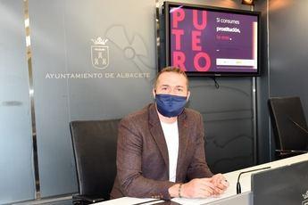 Una campaña en las paradas de autobús y mensajes en redes concienciarán contra el consumo de prostitución en Albacete