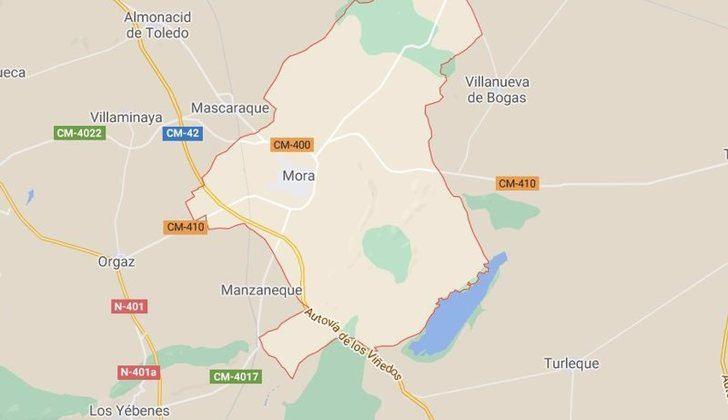 Cuatro afectados por inhalación de humo tras el incendio en la chimenea de una vivienda en Mora (Toledo)