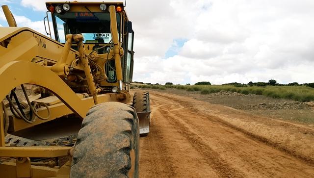 6,5 kilómetros de caminos de Barrax arreglados gracias al convenio entre Diputación de Albacete y Junta