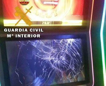 Dos detenidos por ocasionar daños en máquinas recreativas de dos salones de juego de La Roda y Tarazona