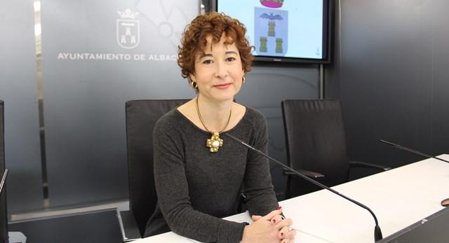 La concejal de Educación de Albacete asegura que Ganemos tiene un absoluto desconocimiento del servicio de bibliotecas