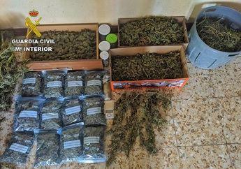 La Guardia Civil incauta 32 kilos de marihuana y desmantela su punto de elaboración en Illescas (Toledo)