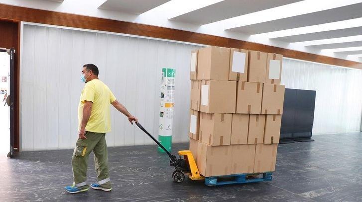 Medio millón más de artículos de protección para los centros sanitarios de Castilla-La Mancha