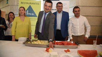 La Junta Castilla-La Mancha fomenta los hábitos de consumo saludable de la Dieta Mediterránea, con productos de cercanía