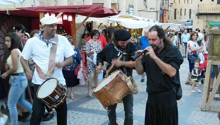 Llega la tercera edición del mercado tradicional con artesanía de autor a Chinchilla (Albacete)