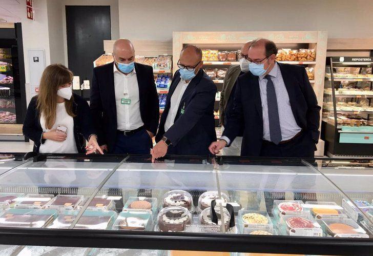 Mercadona estrena tienda eficiente en Almansa, tras una reforma de que costó tres millones de euros