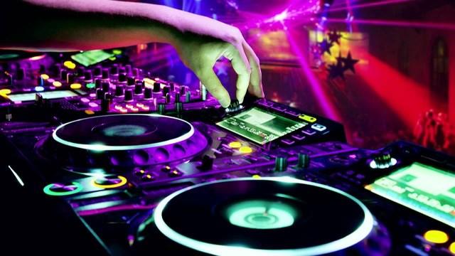 Las 5 ventajas de ser El DJ
