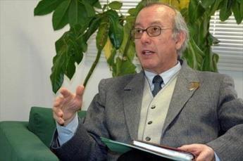 La UCLM lamenta la muerte del catedrático emérito Miguel Panadero, ligado a la institución desde que se creó