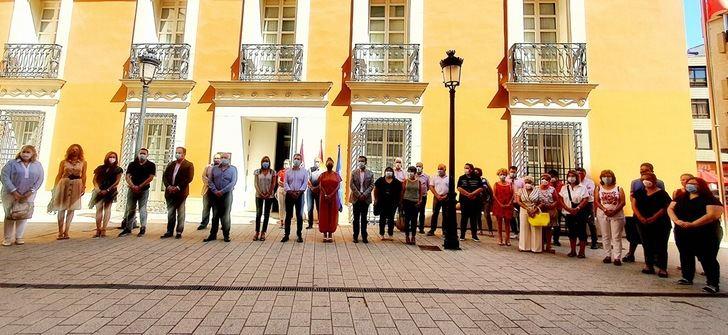 Repulsa de Junta, Ayuntamiento y Diputación de Albacaeteante el nuevo asesinato machista de Corral-Rubio