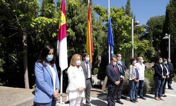 Las Cortes de Castilla-La Mancha guardan un minuto de silencio en memoria de las víctimas del coronavirus