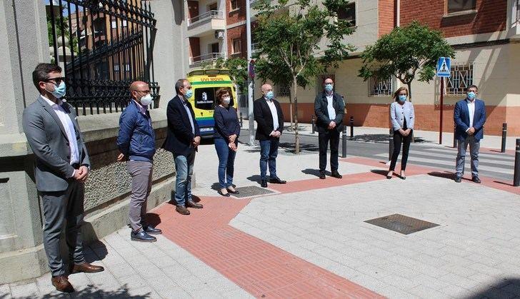 Minuto de silencio en la Delegación de Sanidad de Albacete, en recuerdo de las víctimas del coronavirus