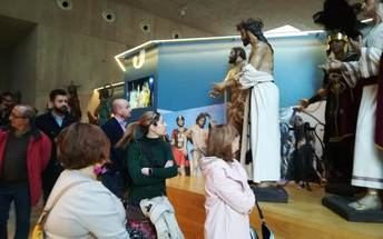 Tambor y procesión unidos en el Museo de Semana Santa de Hellín (Albacete)